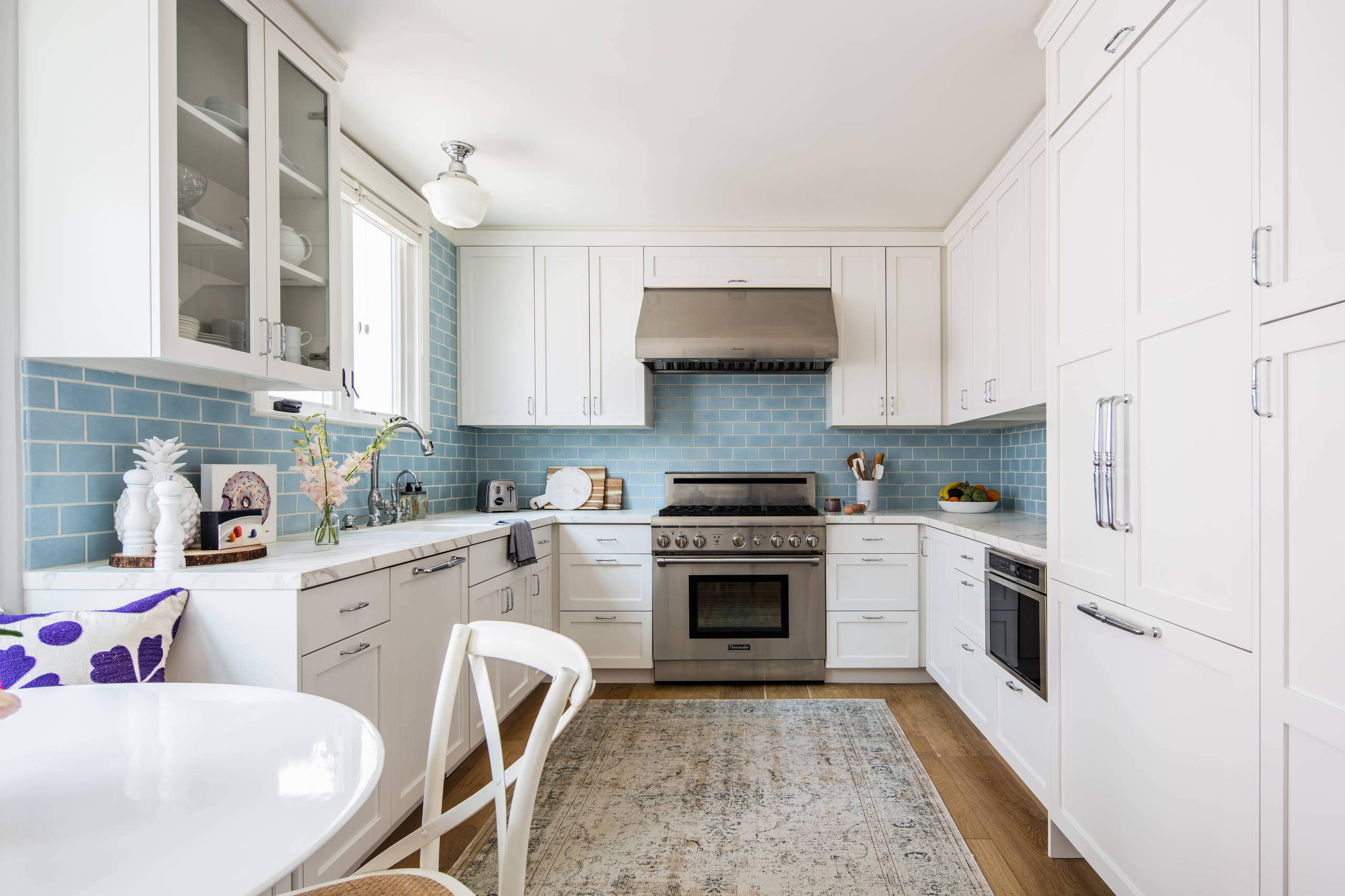 75 Beautiful Small Coastal Kitchen Pictures Ideas December 2020 Houzz