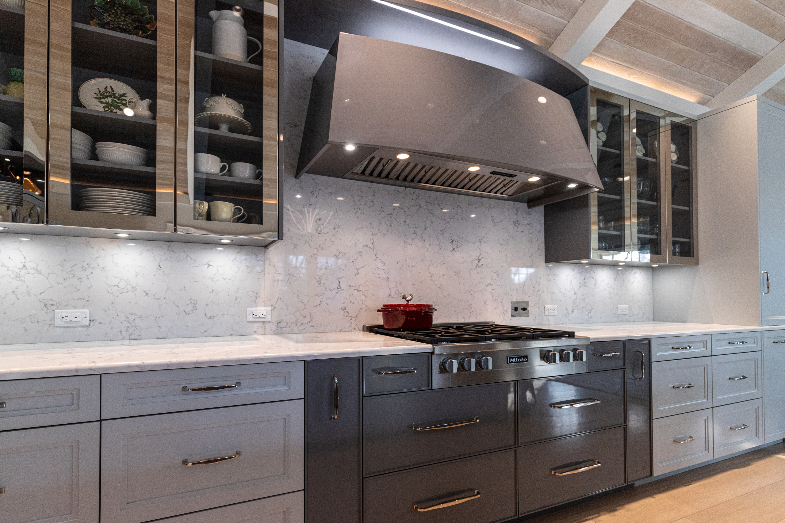 cook zone - everything at your fingertips - check that curved and sloped hood!