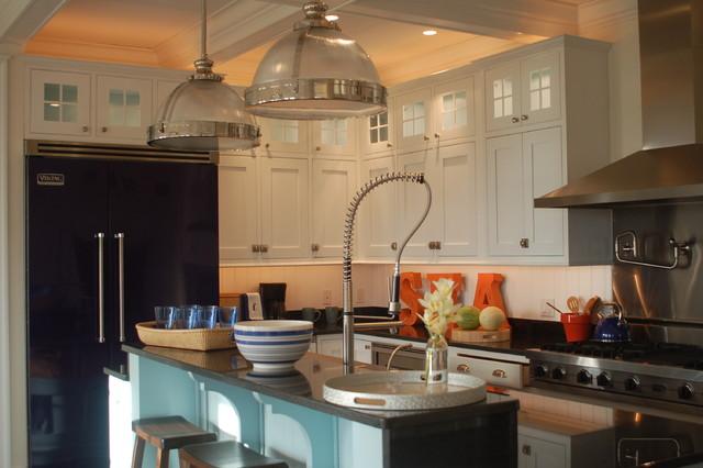 Coastal Living - Idea House 2006 beach-style-kitchen