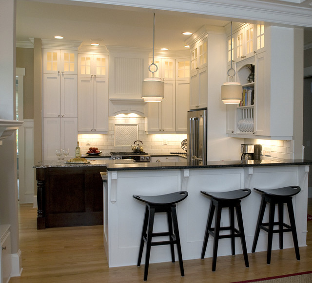 Inspiration For A Timeless U Shaped Eat In Kitchen Remodel In Raleigh With A