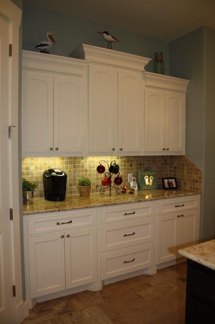 Coastal Retreat traditional-kitchen