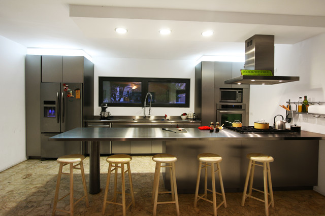 Cocina moderna eclectic kitchen other metro by c3 for Houzz cocinas