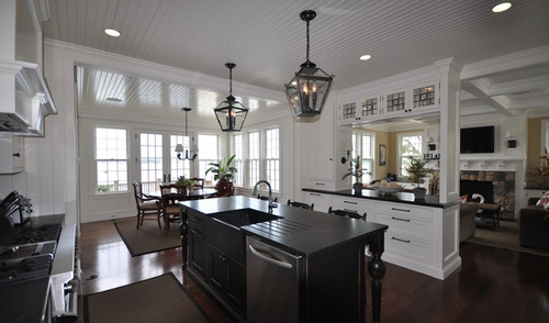 That Looks Like A Faneuil Kitchen Cabinet Kitchen Designed By Sally Weston  In A Beautifull House By Coulcough?