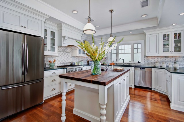 Attractive Colonial Coastal Kitchen Beach Style Kitchen