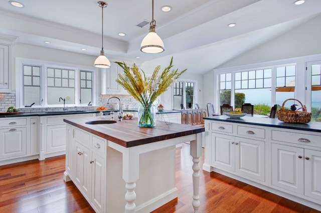 Colonial Coastal Kitchen - Traditional - Kitchen - San Diego - by ...