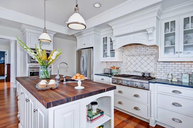 Colonial coastal kitchen traditional kitchen san for Colonial kitchen design ideas