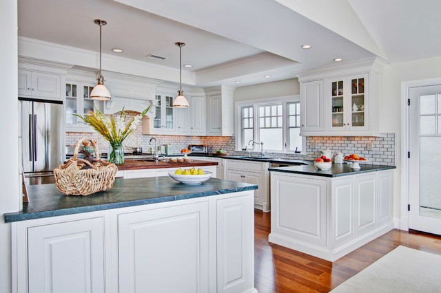 Colonial Coastal Kitchen - Traditional - Kitchen - San ...