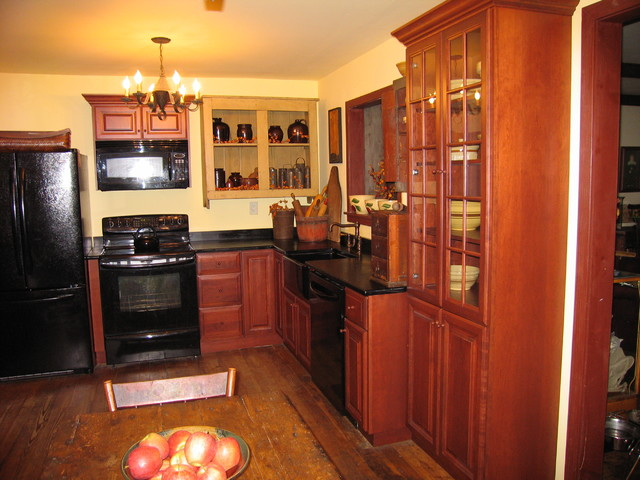 Colonial Kitchen - Traditional - Kitchen - philadelphia - by Design ...