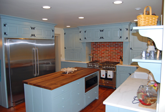 Colonial remodel farmhouse kitchen seattle by for Kitchen remodel colonial home