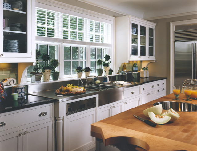 Colonial Remodeling traditional-kitchen