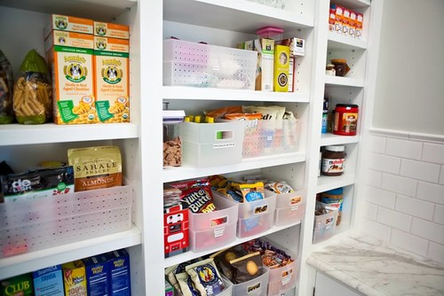 These pantry organization ideas are super easy and affordable to boot! #pantry #pantryorganization