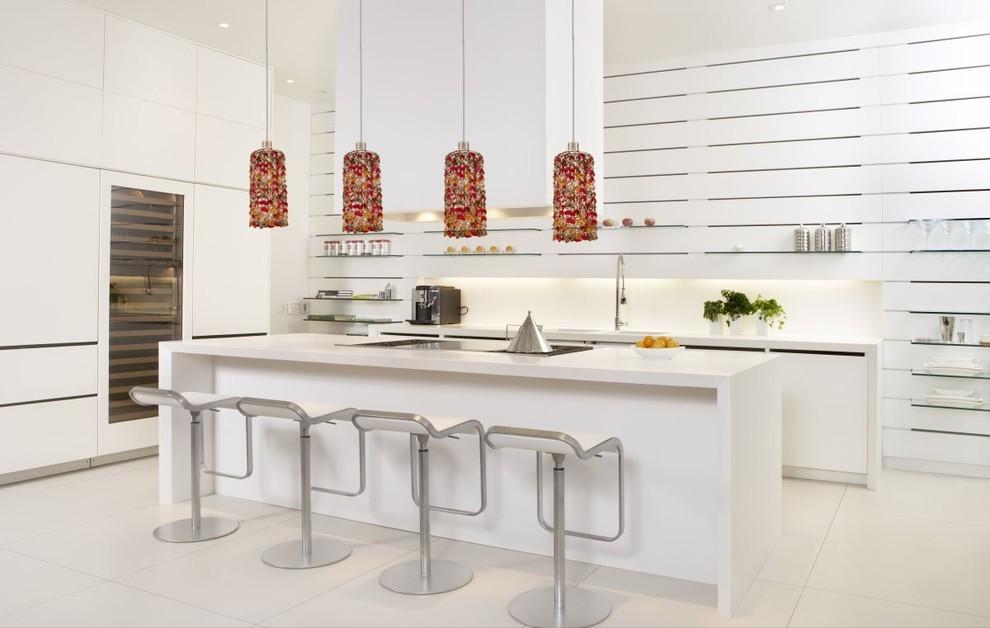Kitchen - modern kitchen idea in New York