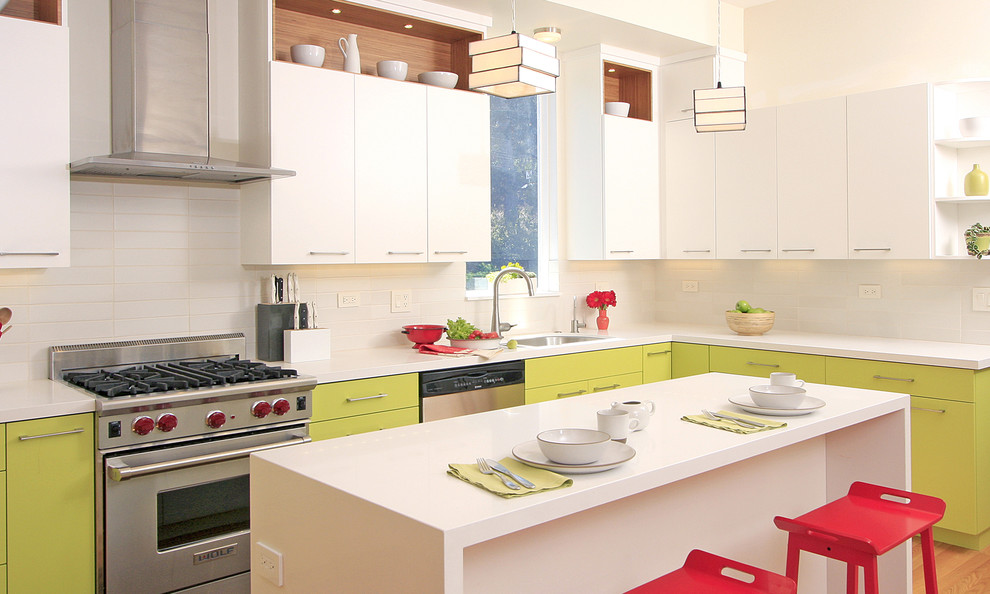 Example of a trendy kitchen design in San Francisco with stainless steel appliances