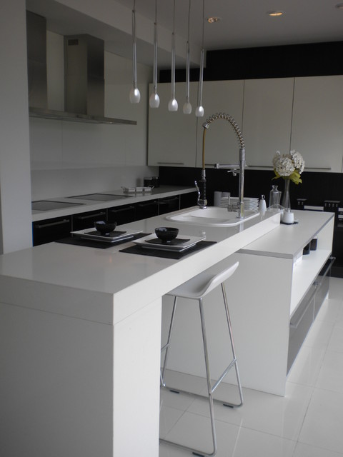 Compact modern functional kitchen in Punta modern-kitchen