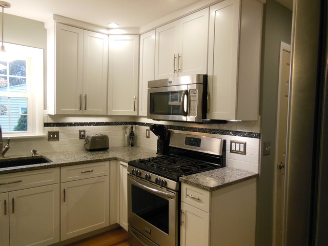 Complete kitchen remodel diamond cabinets with granite for Complete kitchen remodel