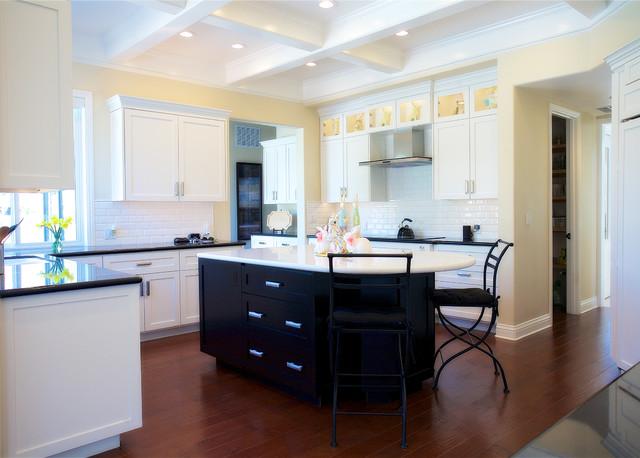 Kitchen photo in San Francisco