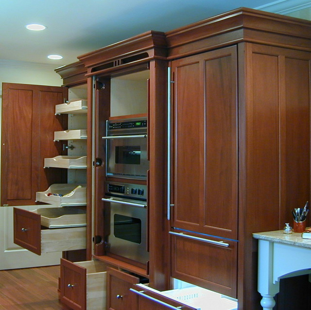 Concealed Ovens / Refrigerator / Pantry