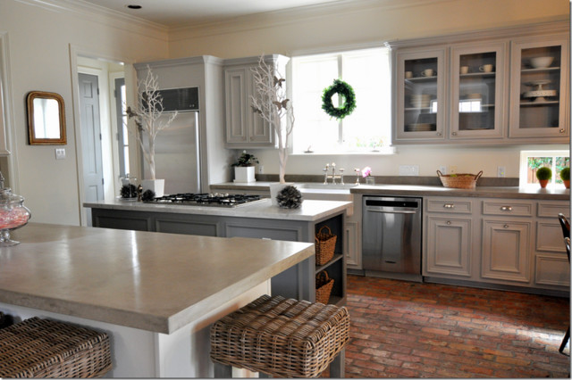Concrete counter tops traditional-kitchen