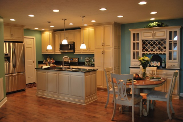 Condo Home Greenwood Traditional Kitchen
