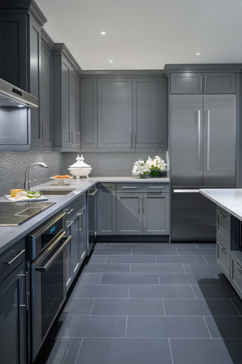 75 Beautiful Porcelain Tile Kitchen With Gray Cabinets Pictures Ideas January 2021 Houzz