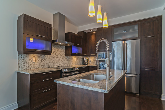 Condo loft style completed modern kitchen montreal for Condo kitchen lighting