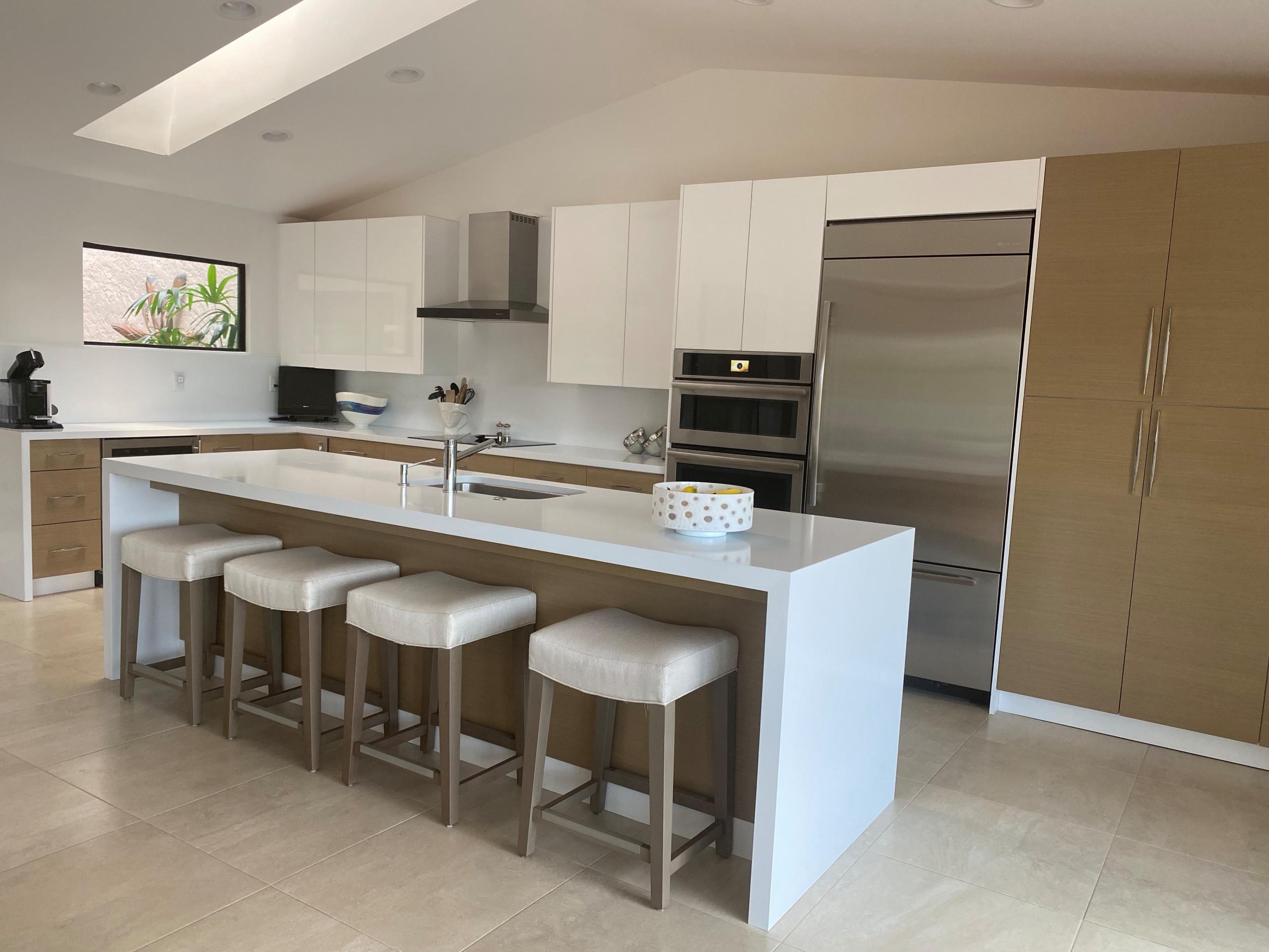Contemporary Beach Kitchen