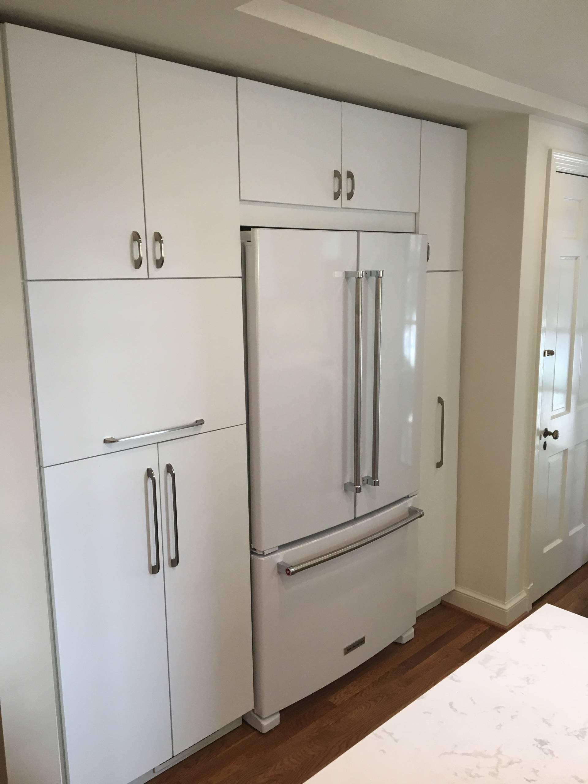 Contemporary Bethesda Kitchen