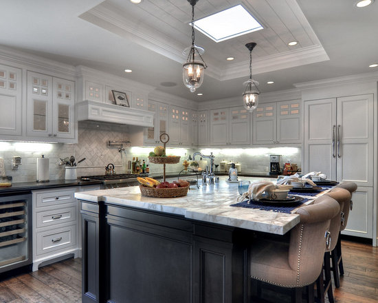 Traditional Open Concept Kitchen Design Ideas, Remodels & Photos with ...