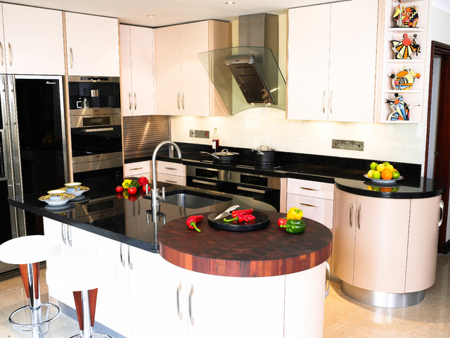 Contemporary curved art deco kitchen contemporary for Sa company kitchen