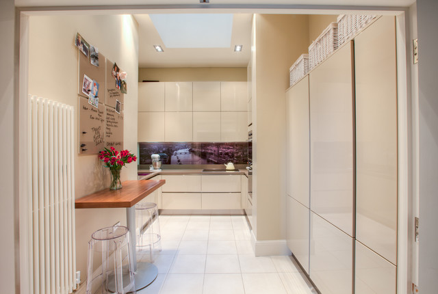 Contemporary Gloss Kitchen - Contemporary - Kitchen - manchester UK ...