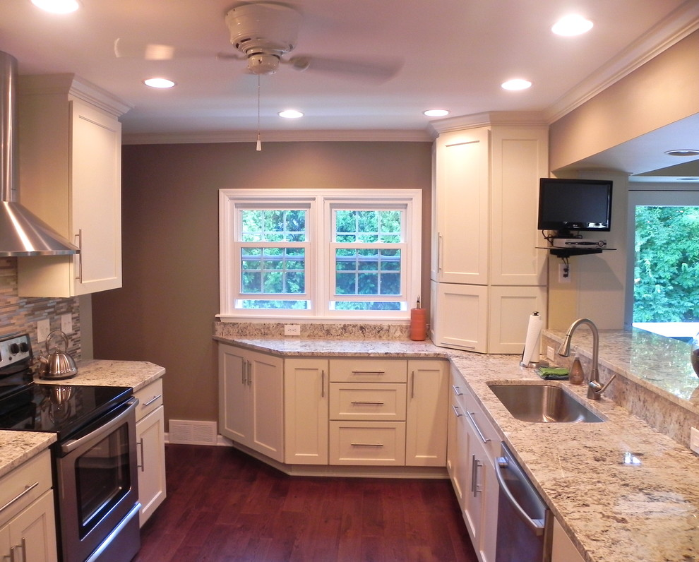 Example of a trendy kitchen design in Indianapolis