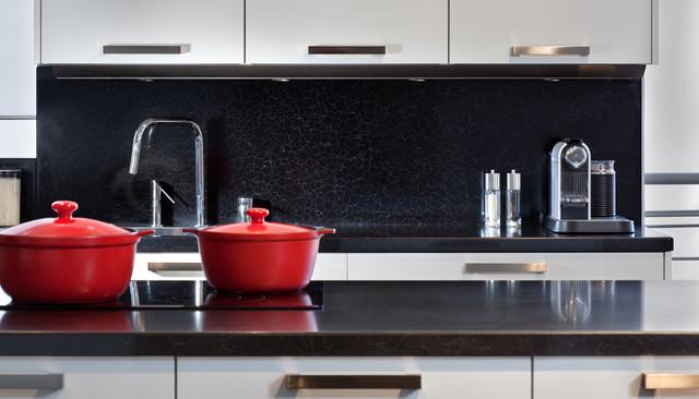 Caesarstone Contemporary Kitchen