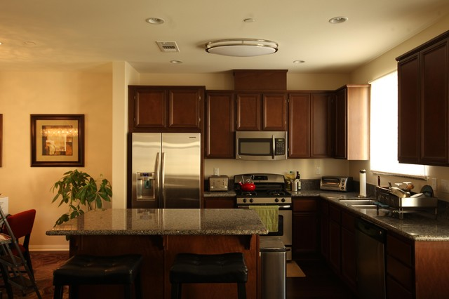 Contemporary Kitchen Featuring The EL 855 Ceiling Light