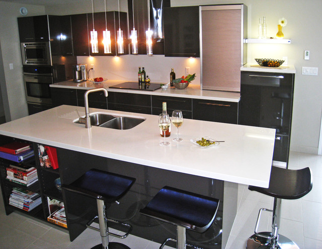Contemporary Kitchen High Gloss Laminate Caesarstone