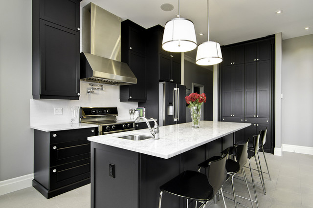 modern kitchen by Seven Image Group - Interior Photography