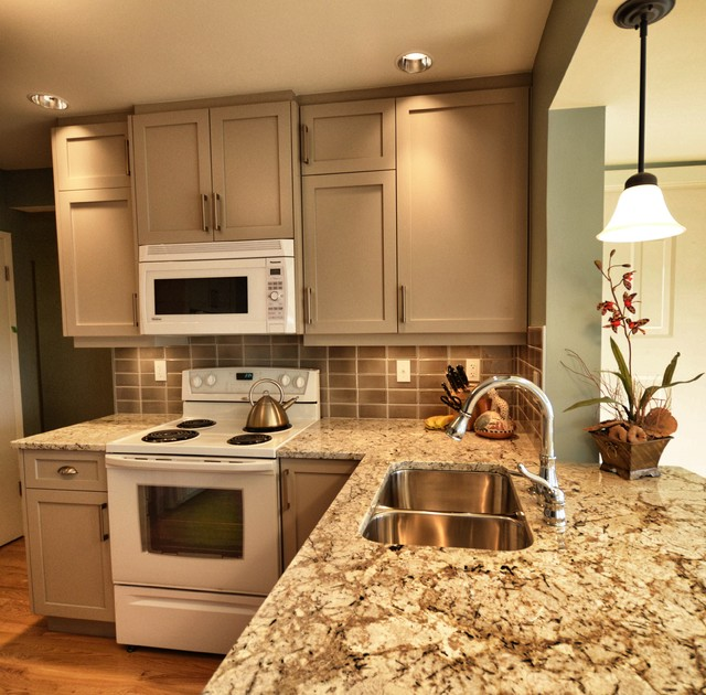Downtown contemporary-kitchen