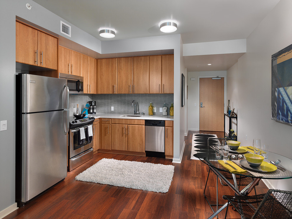 Inspiration for a contemporary kitchen remodel in San Francisco with stainless steel appliances