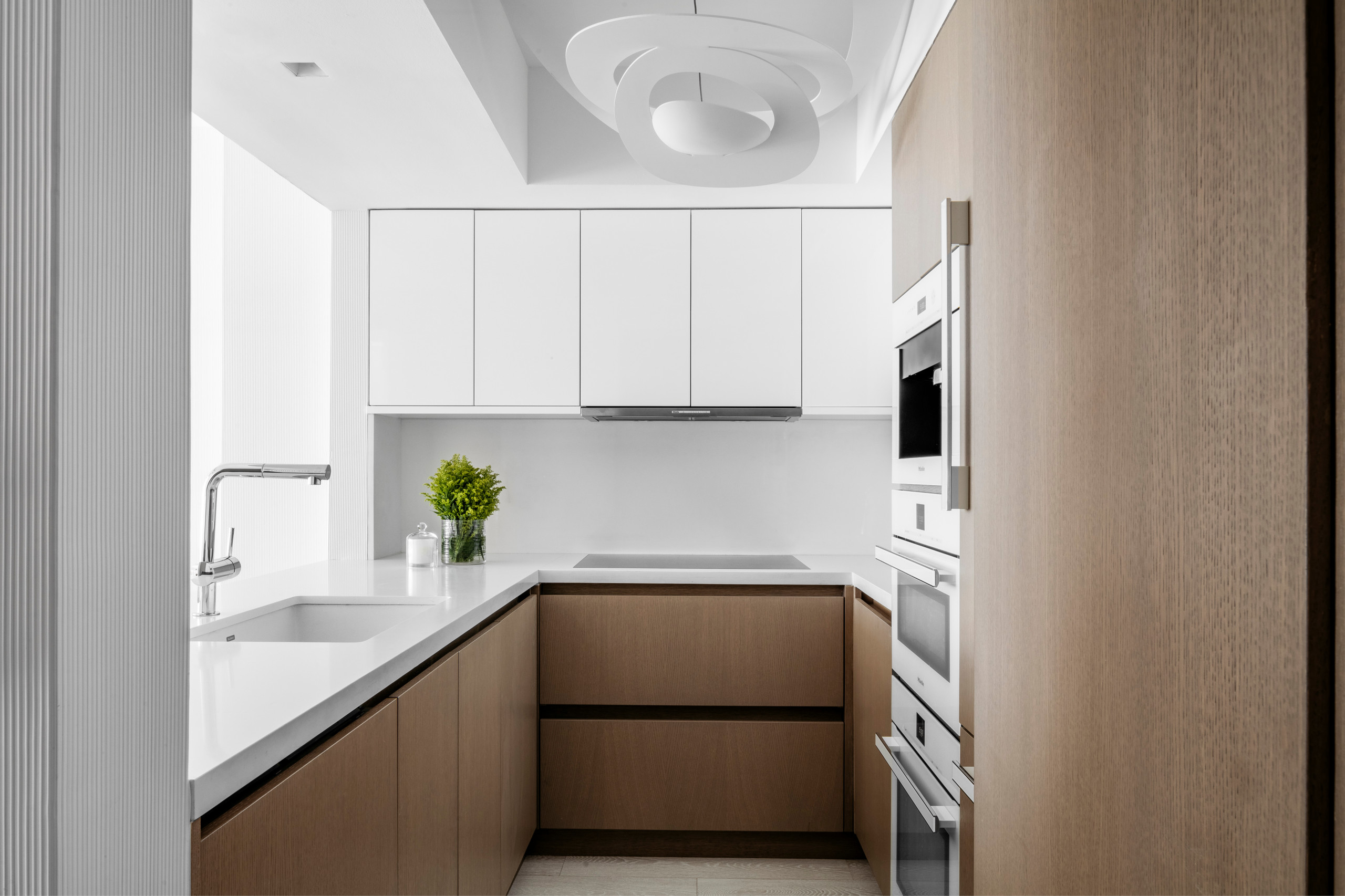 75 Beautiful Kitchen With Medium Tone Wood Cabinets And White Appliances Pictures Ideas December 2020 Houzz