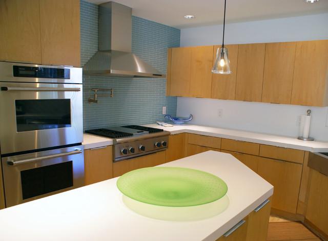 Contemporary Kitchen by SLIC Interiors