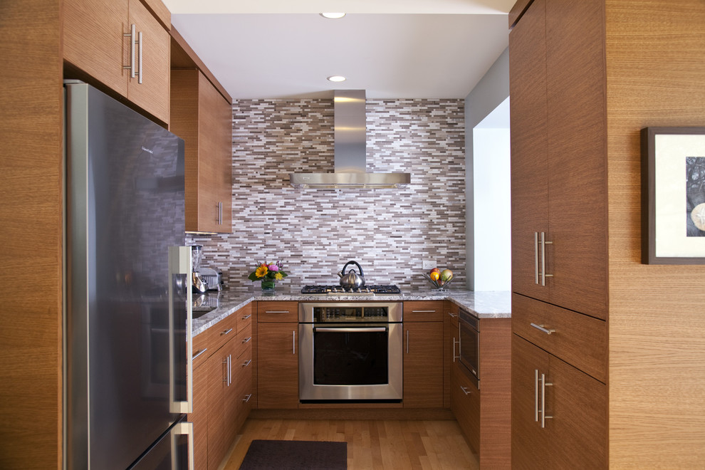Kitchen - contemporary kitchen idea in Minneapolis