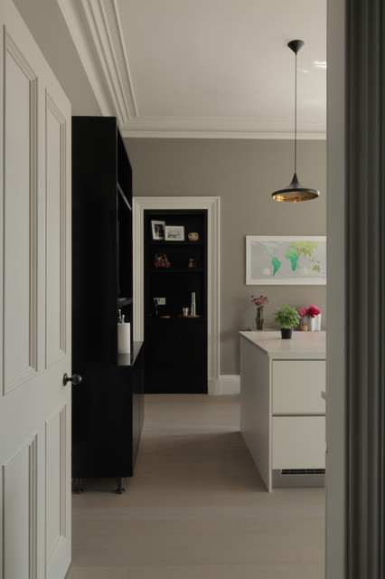 Contemporary luxury apartment contemporary kitchen for Luxury kitchens scotland