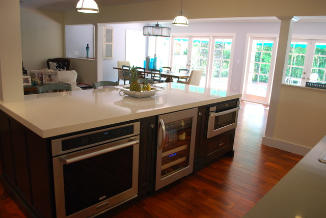 Contemporary play on a Coral Gables Inset Kitchen contemporary kitchen