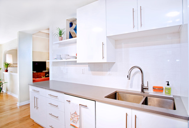 Contemporary white high gloss foil kitchen cabinets for High gloss kitchen cabinets