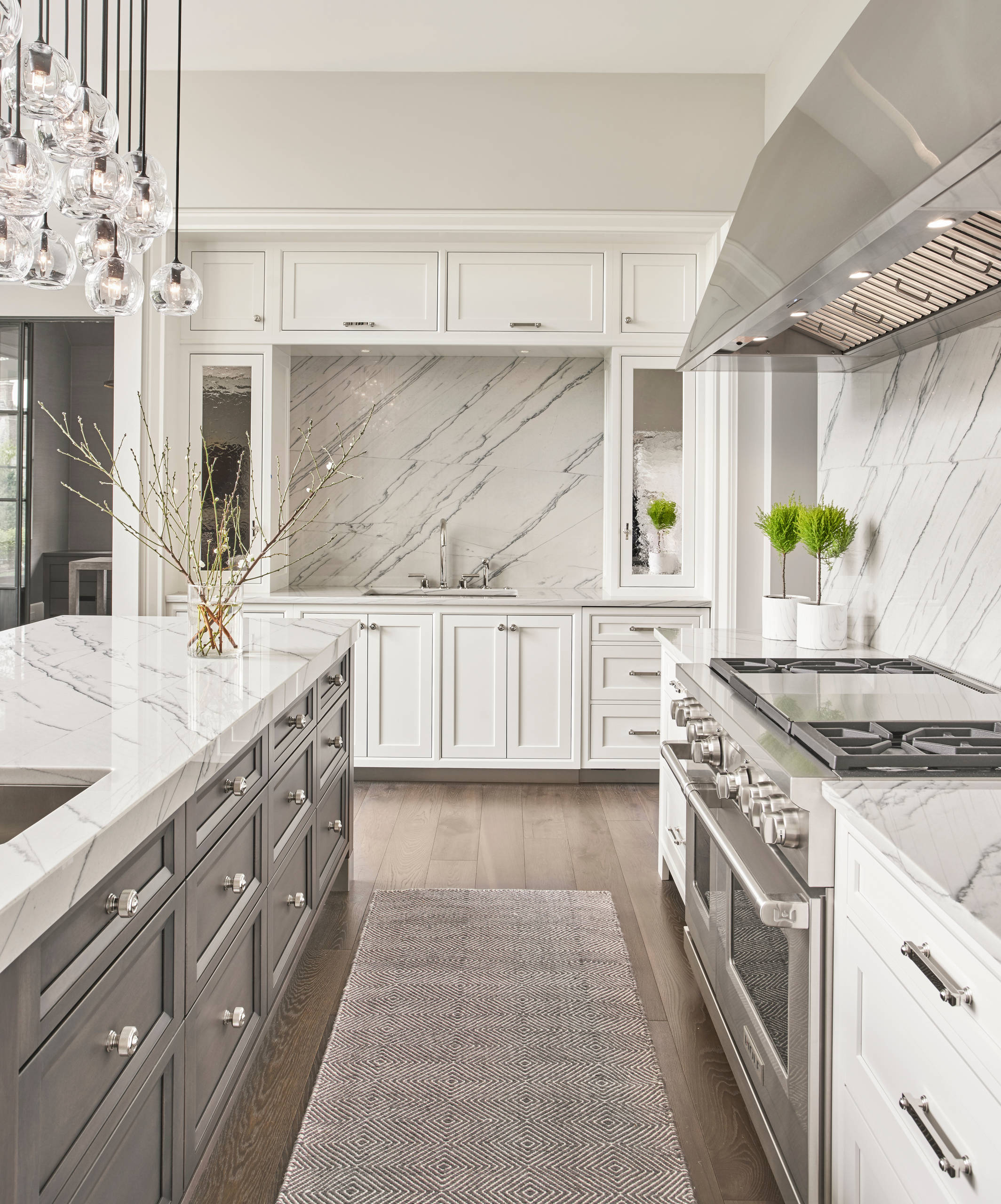 75 Beautiful Gray Floor Kitchen With Shaker Cabinets Pictures Ideas February 2021 Houzz