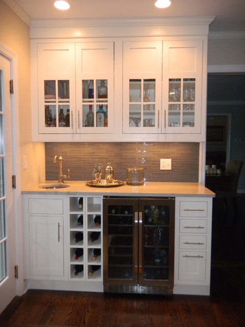 Contrasting Island - Traditional - Kitchen - New York - by Shore & Country Kitchens
