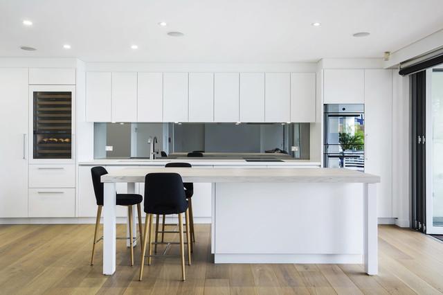 Coogee Beach Apartment Beach Style Kitchen