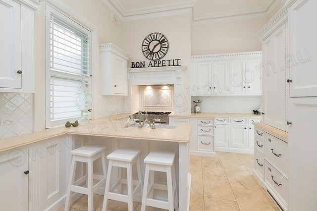 Coogee traditional-kitchen