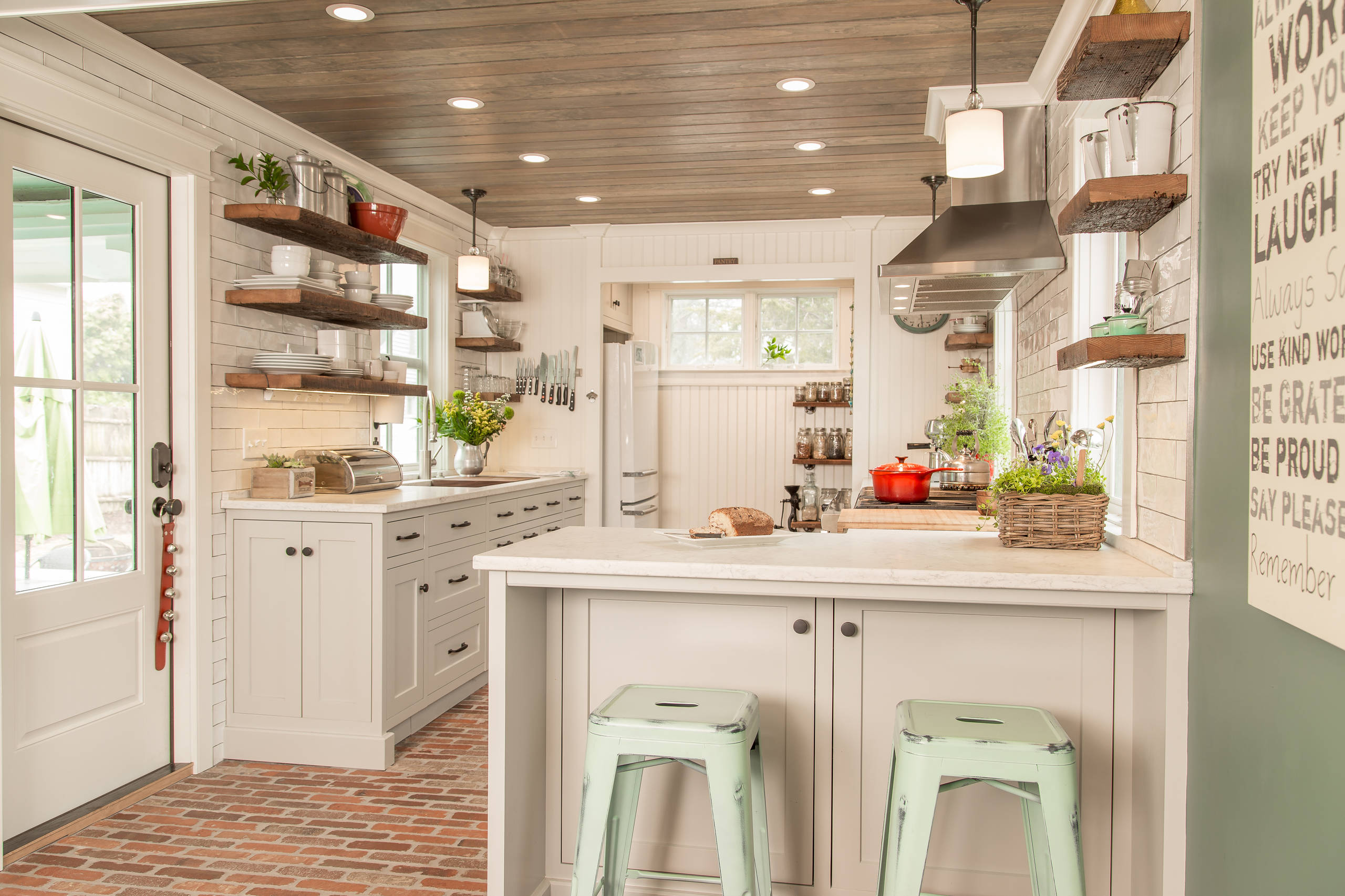75 Beautiful Brick Floor Kitchen Pictures Ideas January 2021 Houzz