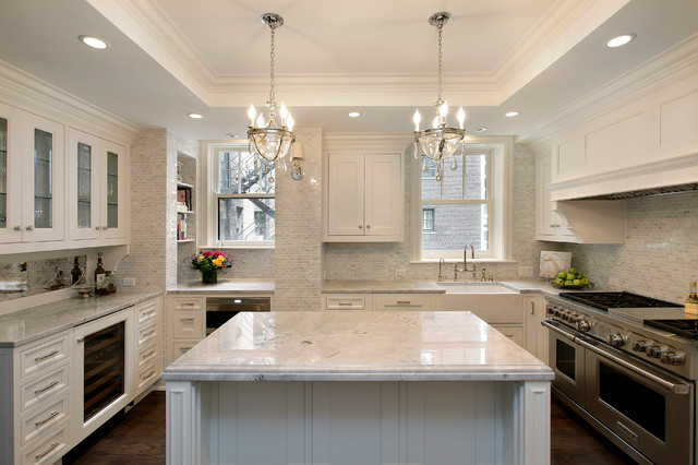 Traditional kitchen idea in Chicago with a farmhouse sink