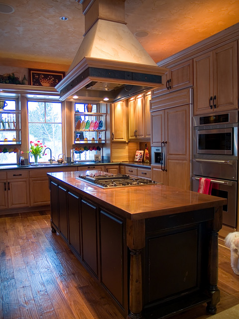 Copper island countertop  Traditional  Kitchen  by Milo's Art Metal